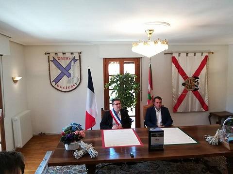 Signature-Charte-de-jumelage-avec-Elciego-20-avril-2018-1